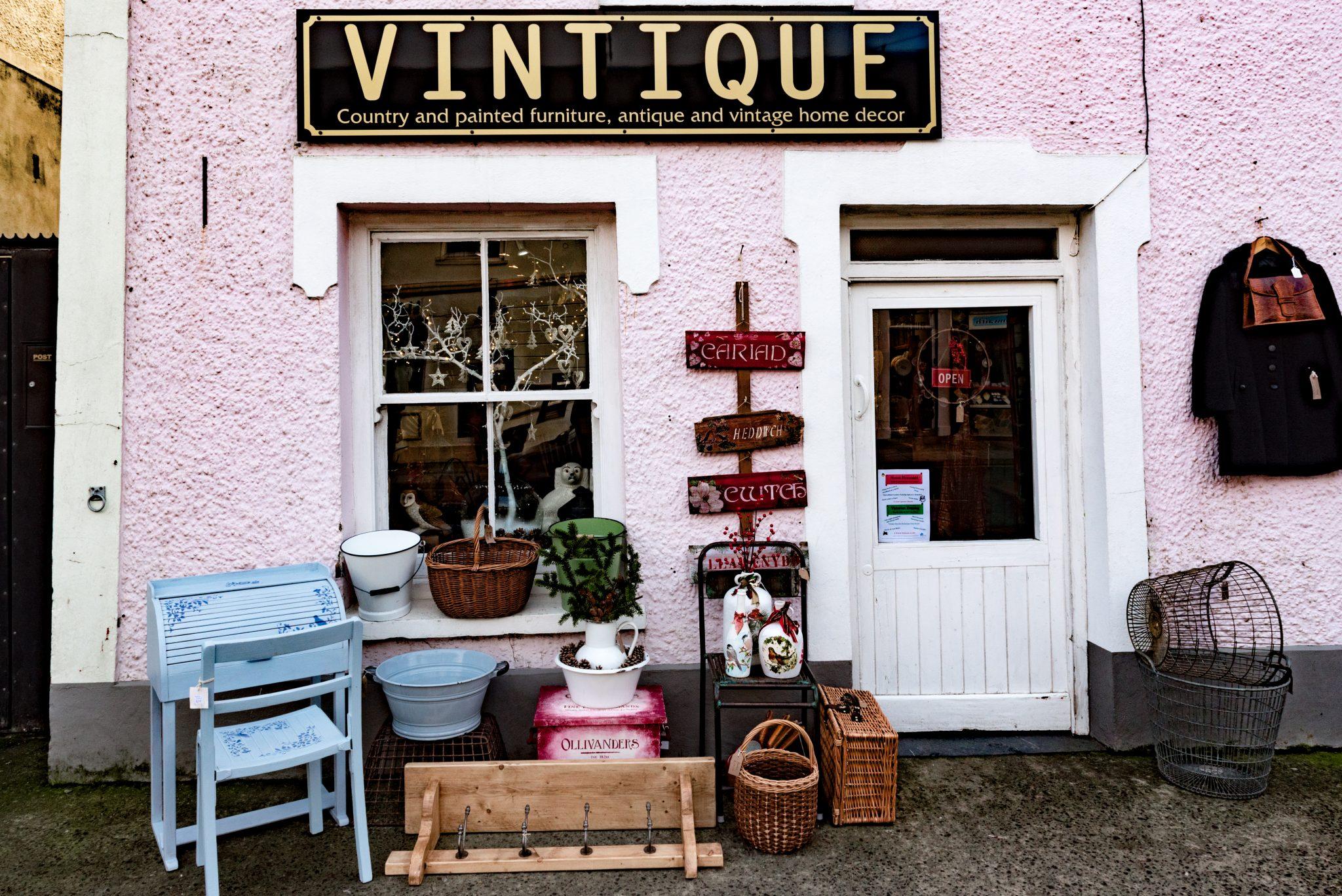 Vintique   The Wales Antiques Guide