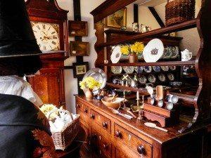 Lamplite Antiques Welshpool