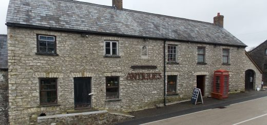 Alltyrodyn Antiques Exterior View